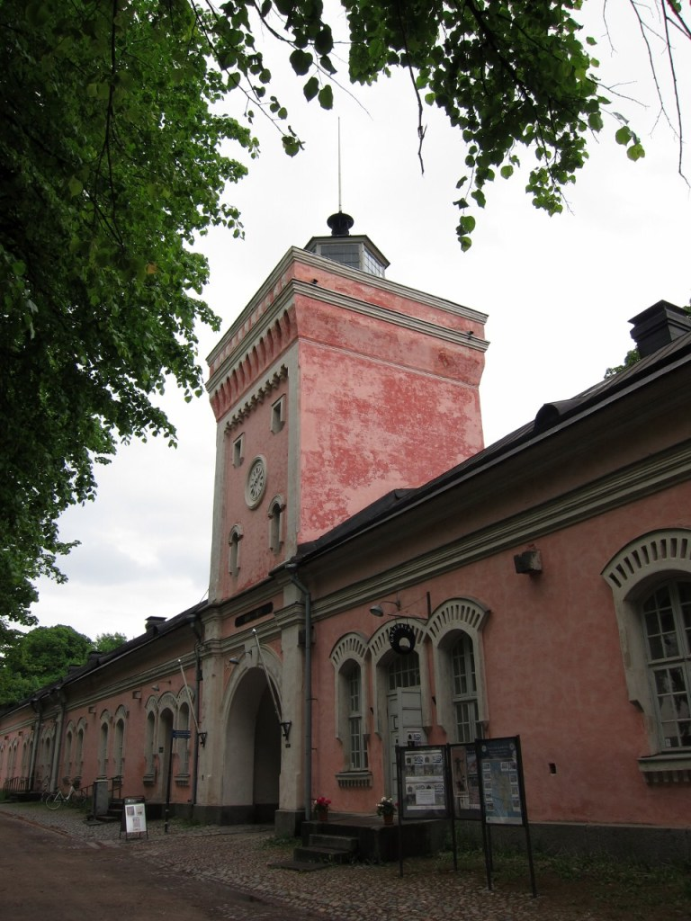 How to get to Suomenlinna
