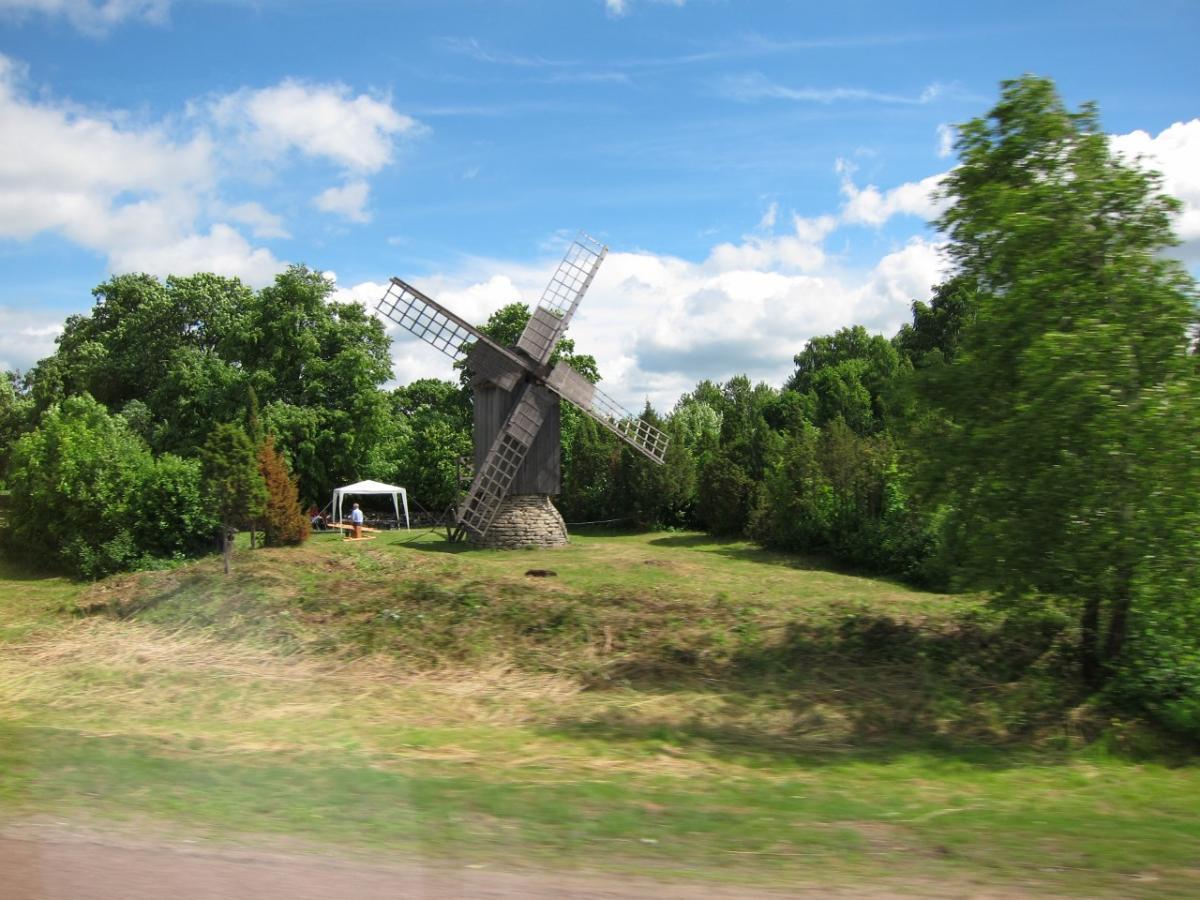 saaremaa windmills