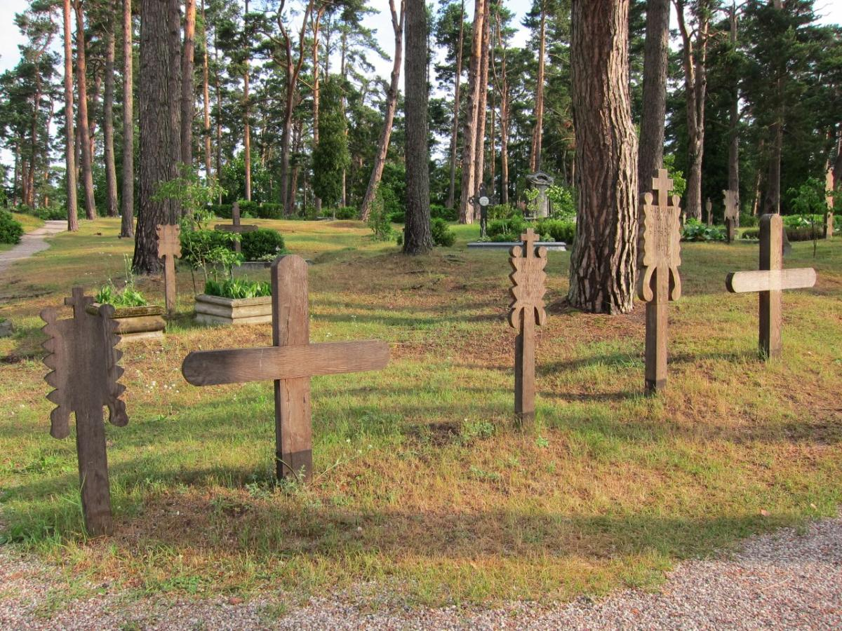 Grave markers placed at the feet of the deceased.