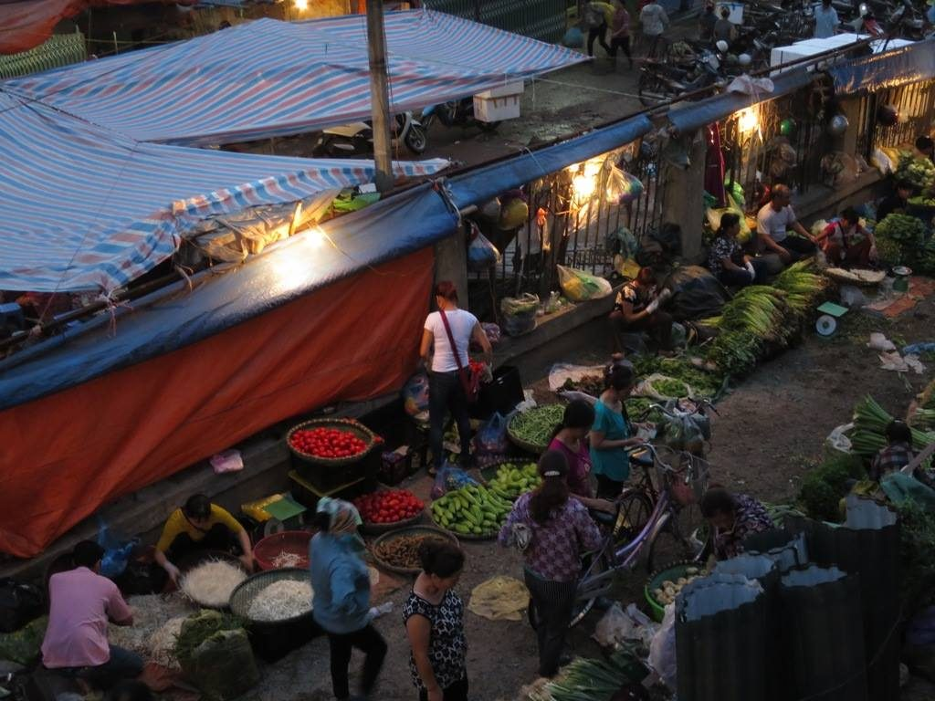 The main market on the north side of the bridge was still heaving.