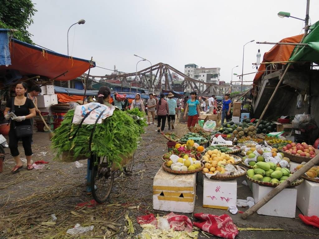 Long Bien market and bridge
