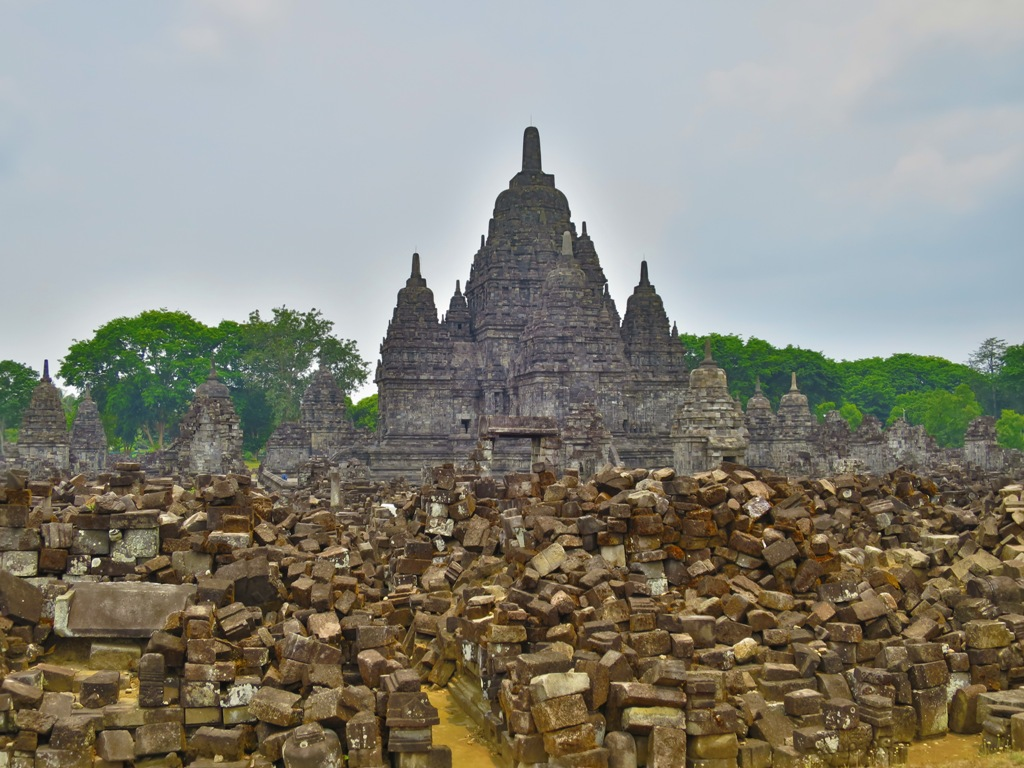 Candi Sewu – Prambanan's Forgotten Neighbour