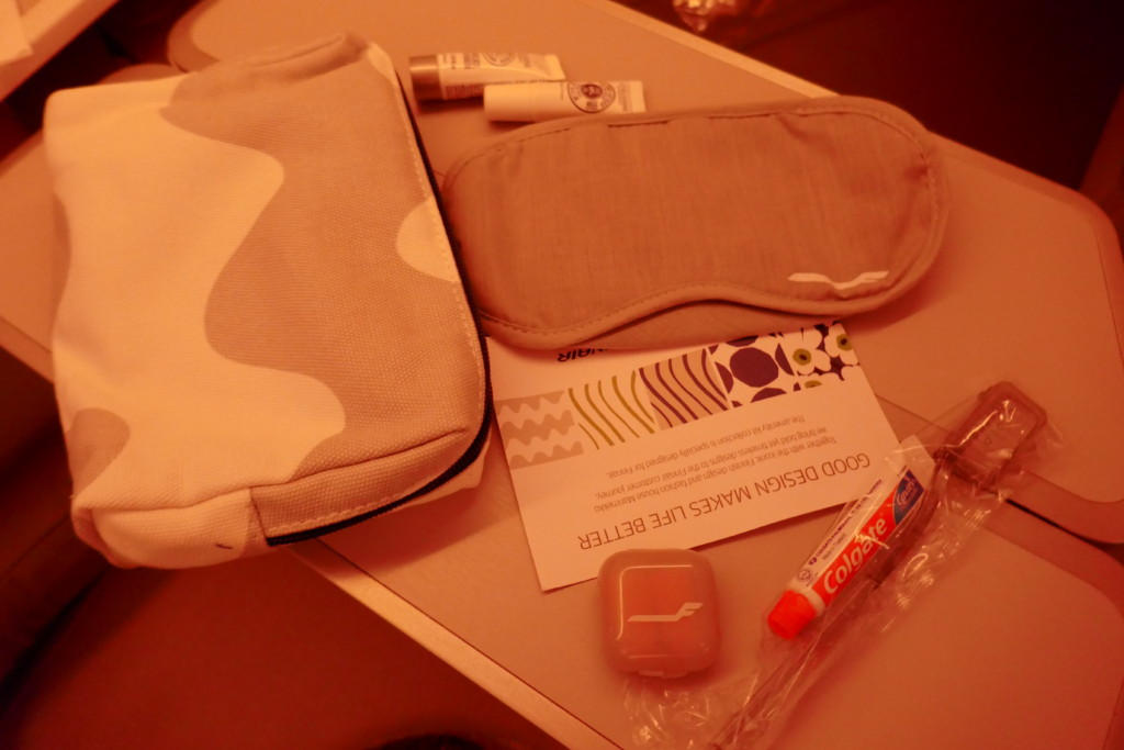 Finnair amenity kit