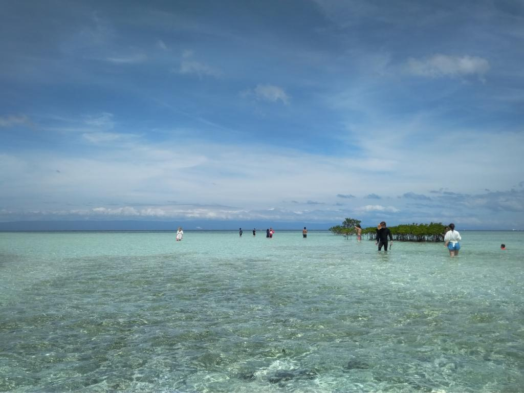 The Lowdown on an Island Hopping Tour from Bohol